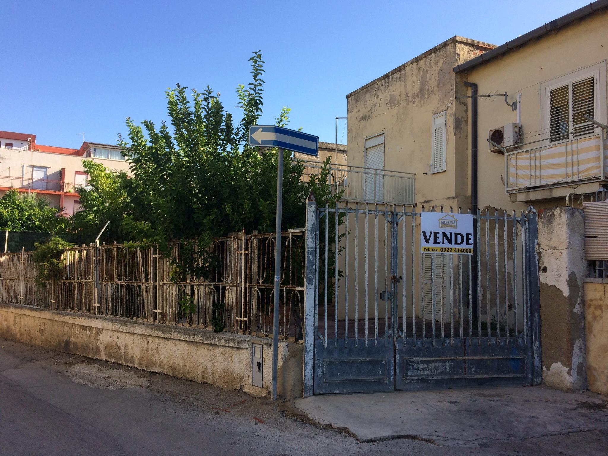 Porzione di Casa Piazza Caratozzolo